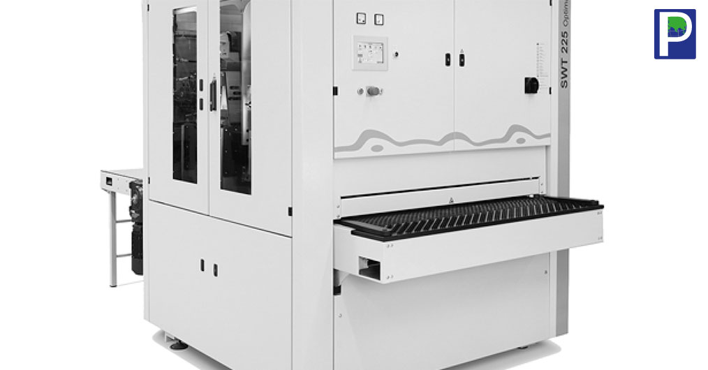 भारतीय प्लाइवुड उद्योग गुणवत्ता पूर्ण उत्पादों के साथ हाई वॉल्यूम की ओर बढ़ रही है। उद्योग सभी विकल्पों पर विचार कर रहा है जैसे कि नई मशीनें, अच्छा लेआउट, अच्छी गुणवत्ता वाले कच्चे माल, जो उन्हें उच्च गुणवत्ता पूर्ण
